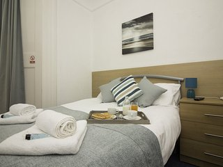 Diamond - The Weston Super Mare Guest House - Suite 5