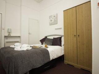 Diamond - The Weston Super Mare Guest House - Suite 4