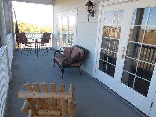 Marsh Winds 1E-This gorgeous 3 bedroom, 3 bath condo is in a great location!!