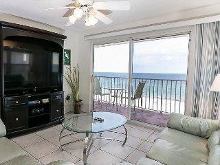 TP 401: Delightful corner unit- beachfront,HDTV,WIFI,FREE BEACH SERVICE
