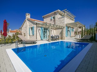 Villa Zorritta with private Pool for 8 Persons