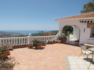 Tranquil Villa near Torrox Pueblo and Nerja with mountain and sea views