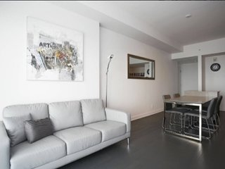 AMAZING condo in the Heart of Downtown Montreal!