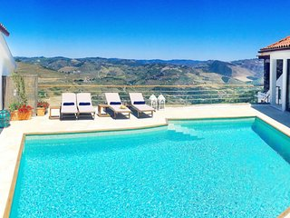 Villa CDG - Sleeps 6-9 Douro Valley near Pinhao