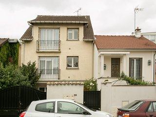 Nice 40sqm flat near Rueil-Malmaison City-Center