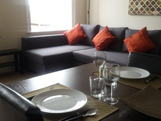 Fully Furnished 2br Stylish Serviced Apartment: HOLIDAY OR SHORT LETS