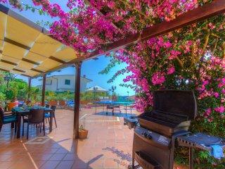 C218Minturno 3camere 2bagni patio vivibile con piscina airco parcheggio
