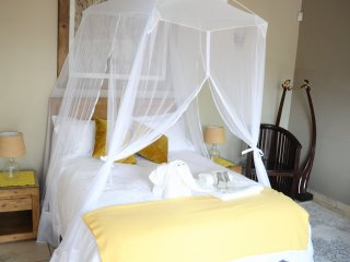 Twiga Tower - Leopard (Double Room) in Hoedspruit, close to Kruger National Park