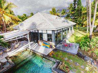 VILLA TAIKA BEACH - Les pieds dans l'eau du lagon de Trou d'Eau