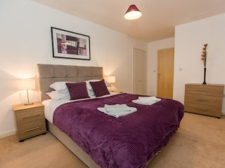 Abbey Field Executive Apartments by PLL - Fully Serviced Entire Apartment