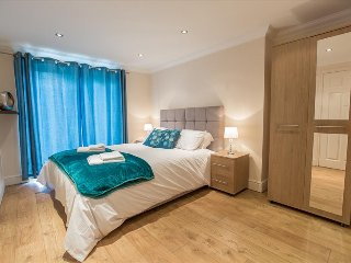 Moulsham Executive Apartment by PLL – Fully Serviced Entire Apartment