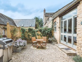 Stable Cottage - Boutique Hideaway in the Cotswolds