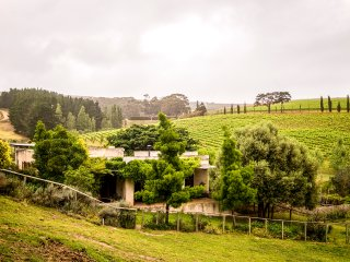 Charming cottage on the Hermanus Wine Route in the Hemel-en-Aarde Valley