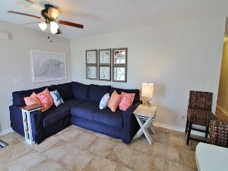 Beachside Villas 1012, 2BR/2BA condo!  Just steps to the pool and beach!