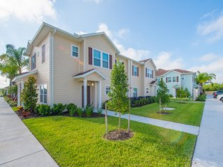 8978 4 Bed Townhome near Disney!
