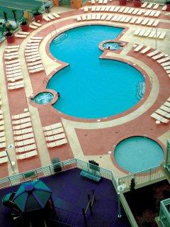 Wyndham Vacation Resort Ocean Boulevard outdoor pool