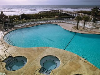 Myrtle Beach, SC: 2 BR w/Pools, Lazy Rivers, Beach- Watersports, Shopping & More