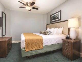 Wyndham Vacation Resort Towers on the Grove - Two Bedroom Deluxe Boulevard View