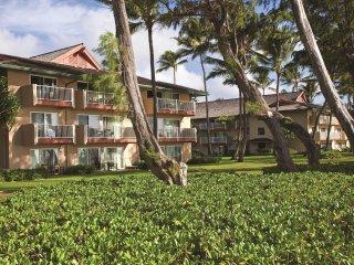 Kauai, 2BR: FREE WiFi, Oceanfront Resort, Pool, Spa, Near Coconut Marketplace