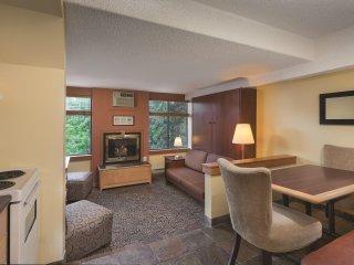 Mountainside Lodge - Studio Suite WVR
