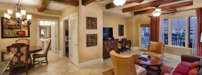 Wyndham La Cascada living room