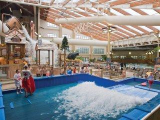Great Smokies 2 BR: Adventure Park, Resort Pools, Golf, Dollywood-6.6 Mi. Away