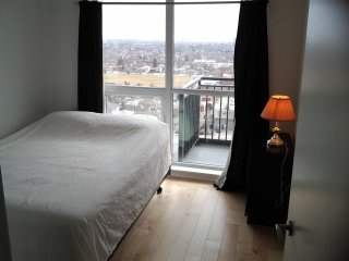 Spacious Executive One Bedroom in a Beautiful Condo