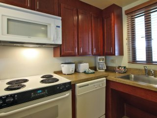 Kailua-Kona, HI: 2B w/Kitchen Oceanside Resort Snorkel, Swim, Dive, Surf & More!