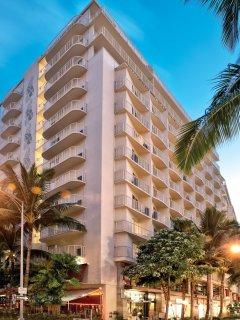 Wyndham at Waikiki Beach Walk - Exterior