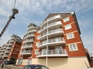 Neptune Square - Spacious Two Bedroom Apartment Located On Ipswich Marina