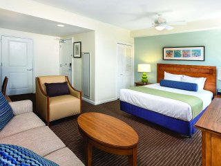 Wyndham Oceanside Pier Resort - Studio Hotel Room WVR