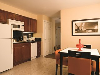San Diego, CA: Studio Suite w/Sauna, WiFi, Downtown, Near City Attractions!