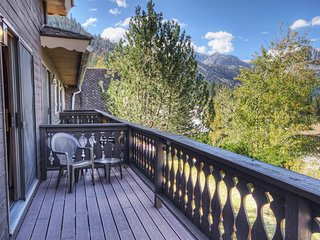 Family-Friendly Condo w/ Nearby Hiking, Skiing, Lake Activities & Scenic Views