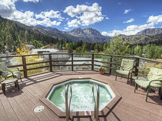 Cozy Condo w/ Scenic Views & Nearby Mountain Activities for All Seasons