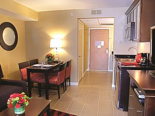 Peacock Suites - Two Bedroom Suite WVR