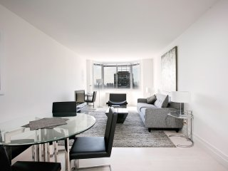 RIVER VIEWS-EAST 52ND LUXURY 1 BR