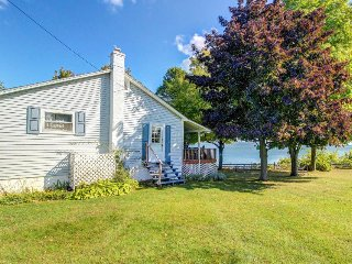 Freshly renovated lakefront home w/ dock, kayaks & two kitchens!