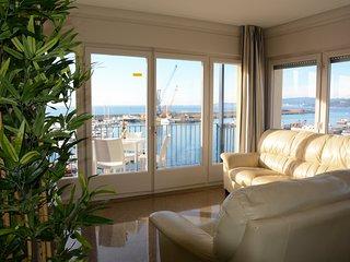 Apartamento 'La Catifa' C: 95 m2, 3 habitaciones, 2 banos.