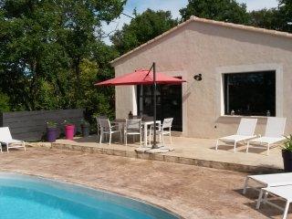 Maison meublee avec piscine au calme categorie meubles de tourisme 4 etoiles