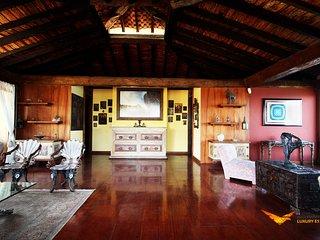 RJ023- Luxury Joatinga Villa