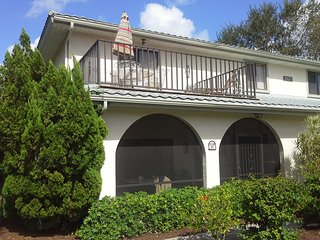 Beautiful Townhouse with Lakeview in Bonita Springs