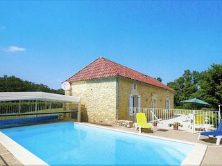 CAUSSE - PRETTY STONE COTTAGE, LARGE GARDEN AND POOL WITH REMOVABLE COVER