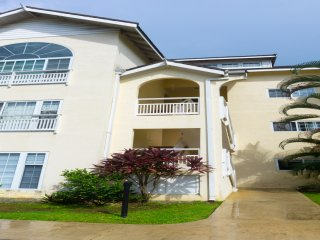 Luxury Penthouse Apartment w/ Sea View Sleeps 6 Lagoons OLR