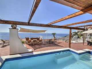 Praiano Villa Sleeps 8 with Pool Air Con and WiFi - 5228522