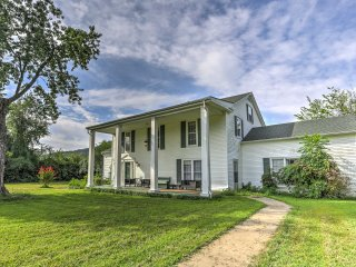 NEW! 5BR Leslie House w/Beautiful Evergreen Views!
