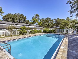 NEW! 3BR Gainesville Townhome w/ Pool Access!