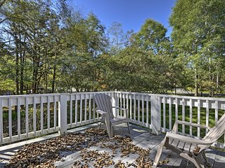 Albrightsville Home w/Hot Tub, Deck & Game Room!