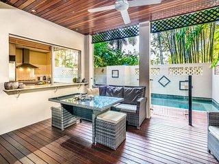 Luxurious Tropical Resort Villa