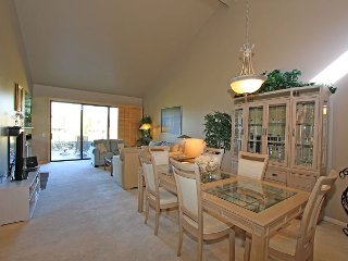 Spacious Three Bedroom, Three Bath Condo at Palm Valley CC on the Golf Course
