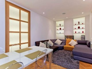 Atherstone Mews apartment in Kensington & Chelsea with WiFi.